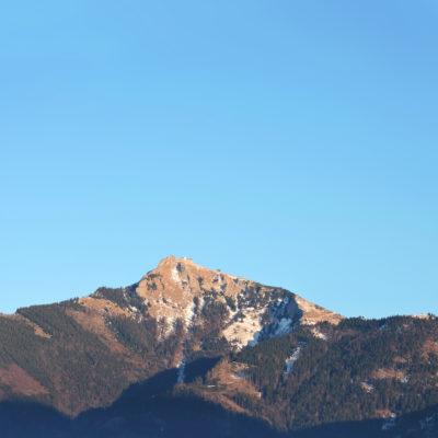 iPhone_X_Wallpaper_Mountain-400×400