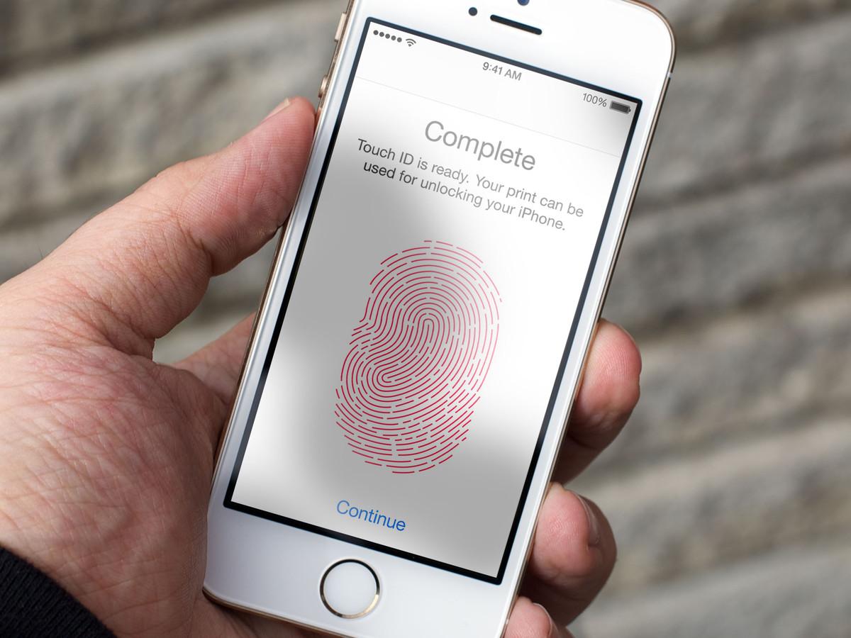 Специалист: Apple внедрит FaceID вовсе мобильные телефоны в следующем году