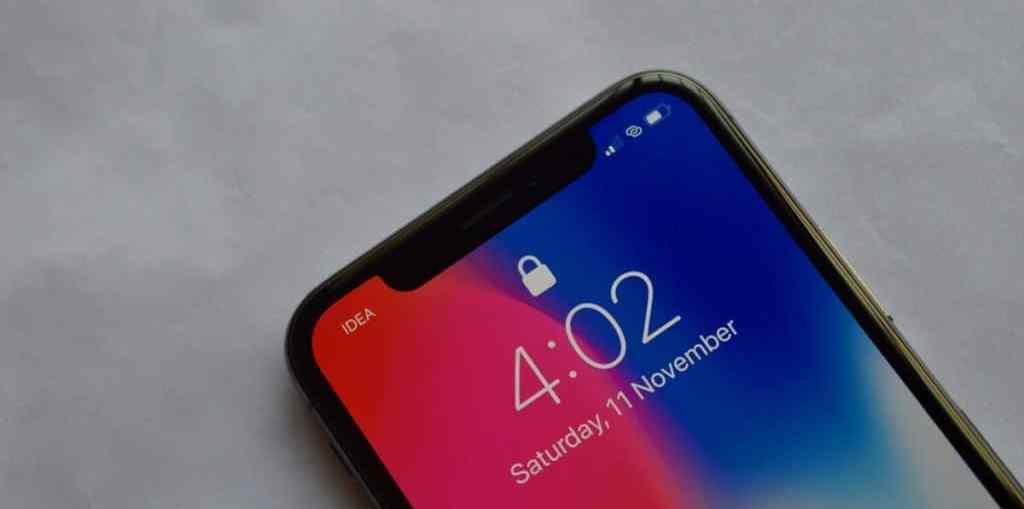 iPhone-X-Lock-screen-Face-ID-Locked