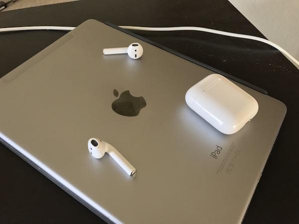 Apple рекламирует наушники, которые нереально приобрести