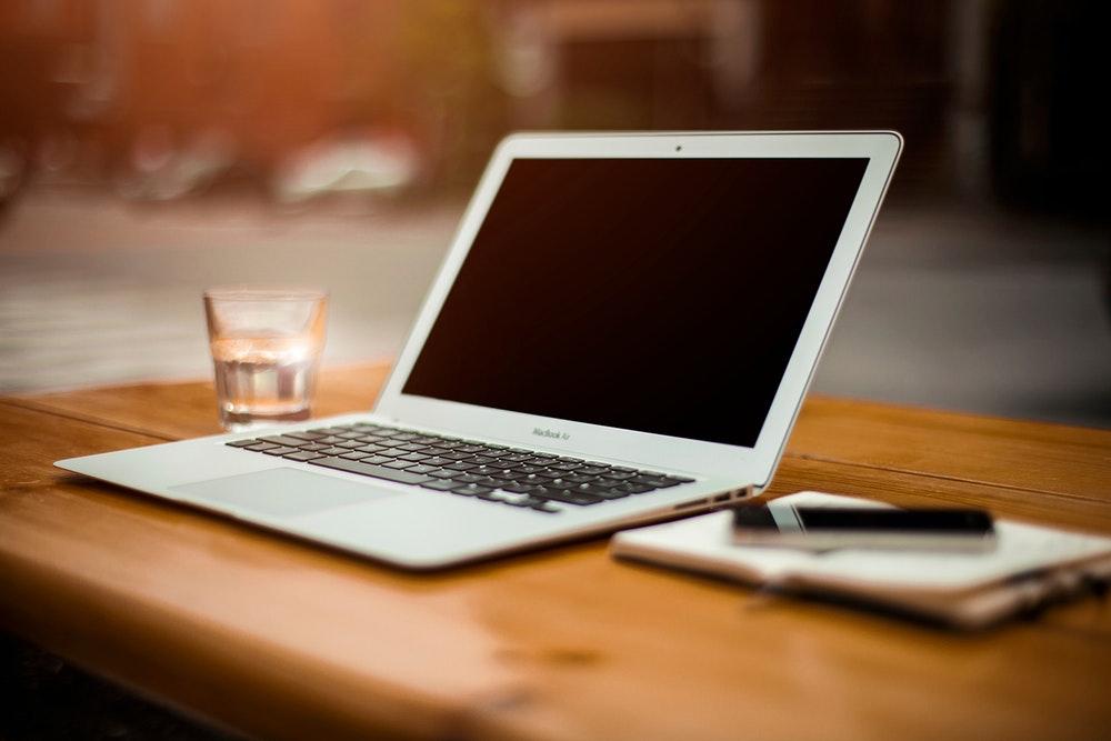 Apple выпустит бюджетный MacBook Air в 2018г.