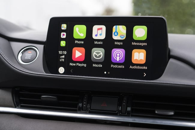 Apple-CarPlay-Mazda6