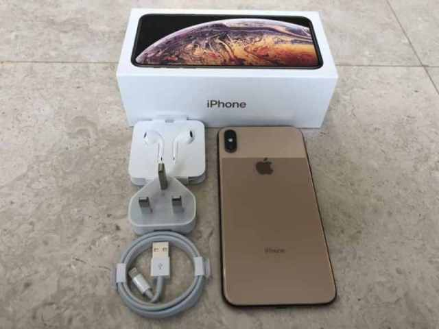 gold-iphone-xs-max-unboxing-5-2