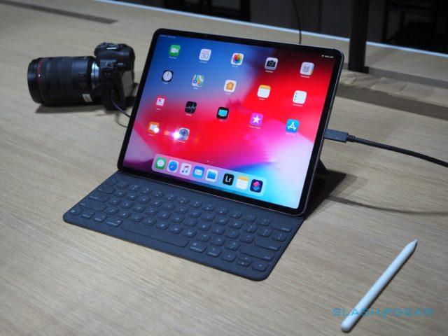 New-iPadPro-handsonSG