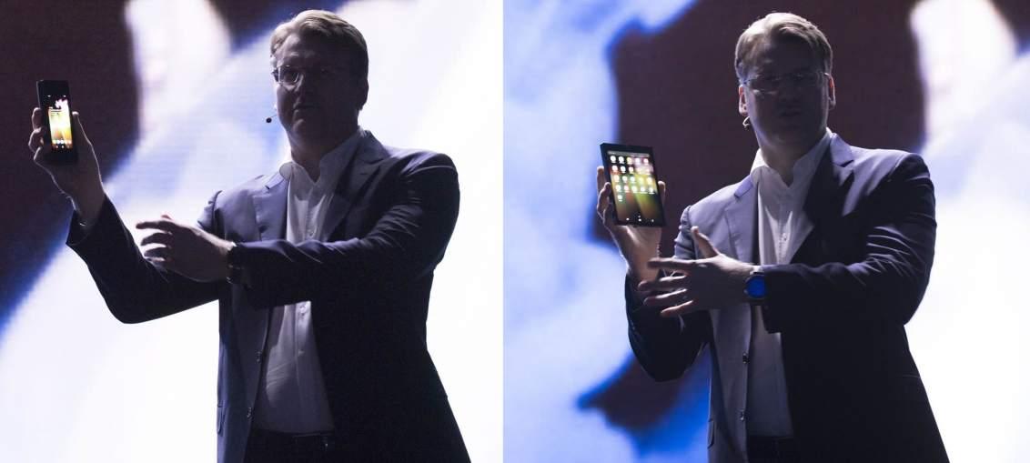 Samsung-foldable-phone-2018-developer-conference-001