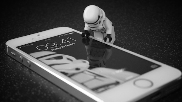 image-iPhone-Stormtrooper-security