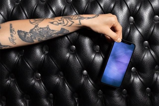 1-abstract-grunge-iphone-ipad-wallpaper-by-evgeniyzemelko-mockup