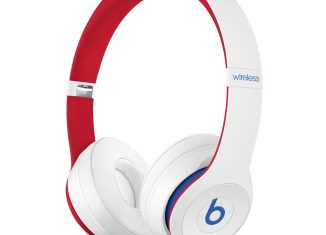 Beats-Solo3-White-ClubCollection-1472×1472