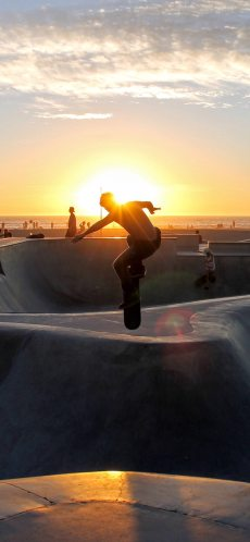 sports-wallpaper-skateboard-extreme-sports-summer-iphone-X