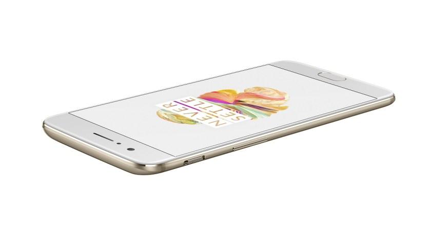 OnePlus 5 i farven Gold