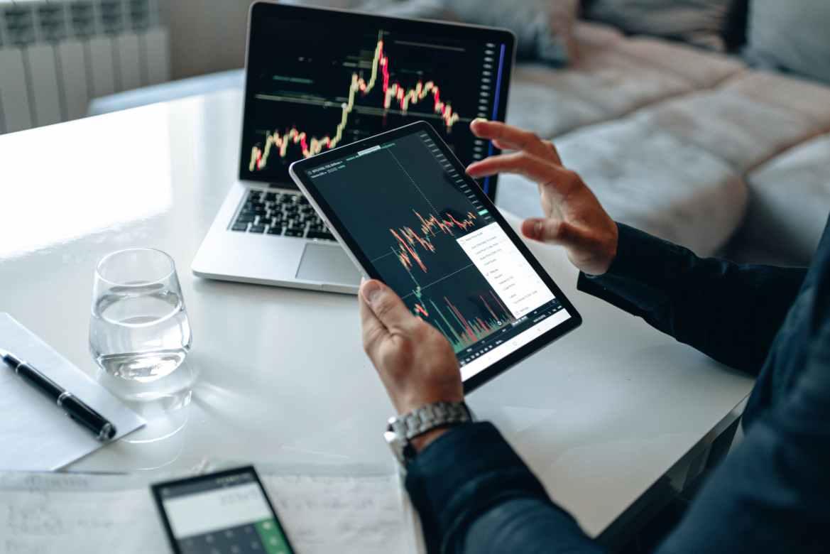Finansielle teams, der aktivt bruger kunstig intelligens,  klarer sig bedre end konkurrenterne