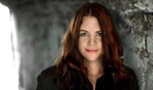 Åsa Schwarz släpper pocket om vårt sårbara digitala samhälle 1