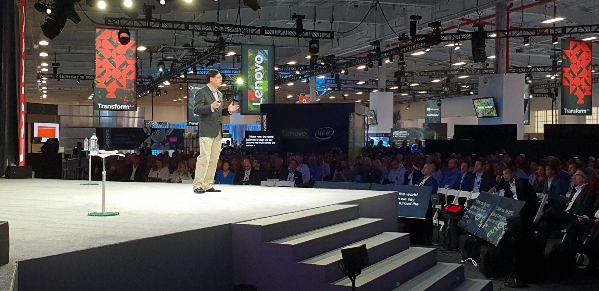 Lenovo växlar upp med strategiskt partnerskap 27