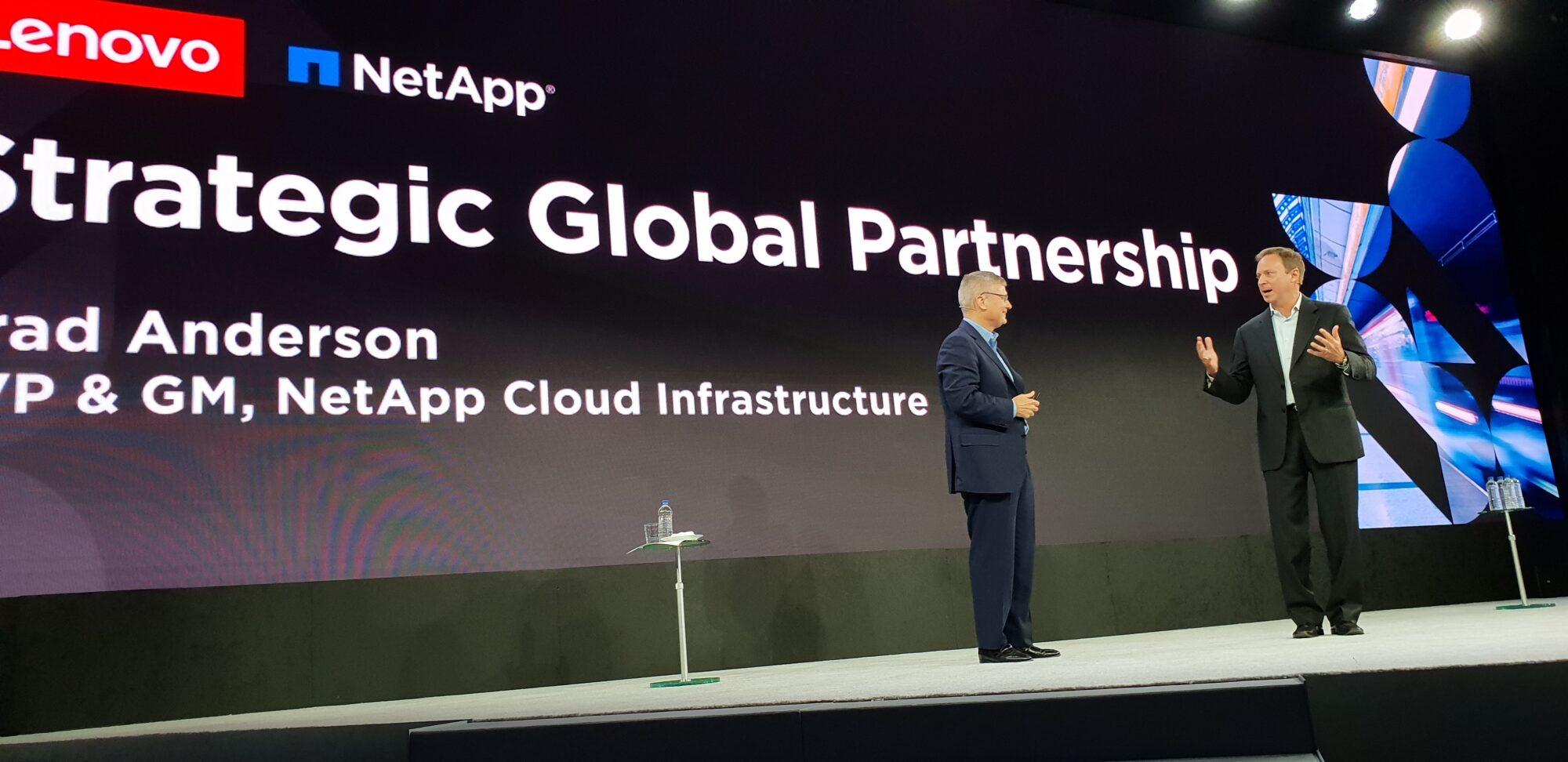 Lenovo växlar upp med strategiskt partnerskap 30