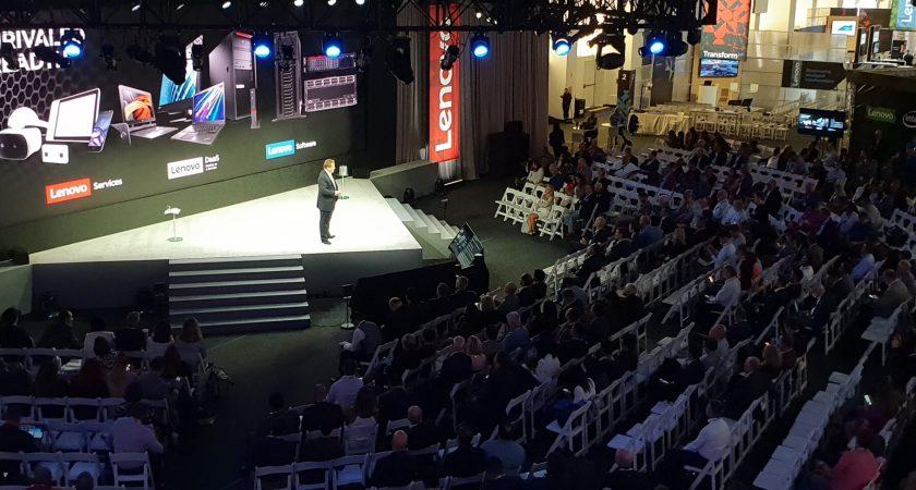 Lenovo presenterar intelligenta lösningar och partnerskap på Transform 2.0