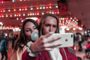 Vägen till schysst bildhantering i sociala medier – en guide av Canon och BRI 1