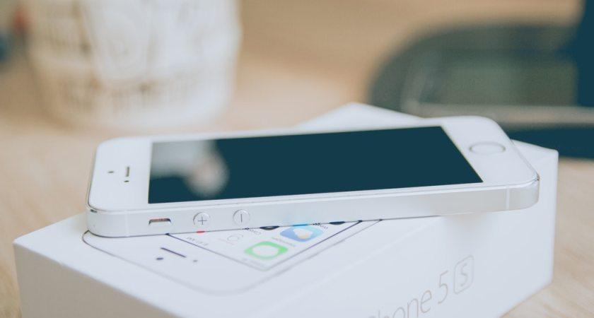 Skärmtid på mobilen lockar barn mer än godis