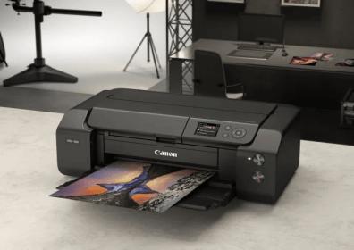 imagePROGRAF PRO-300 – en högkvalitativ och professionell A3+-fotoskrivare med kompakt design 1