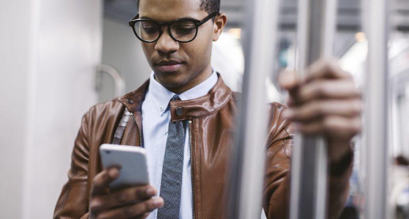 Företagen behöver skydda anställdas privata mobiler – såväl som deras privatliv