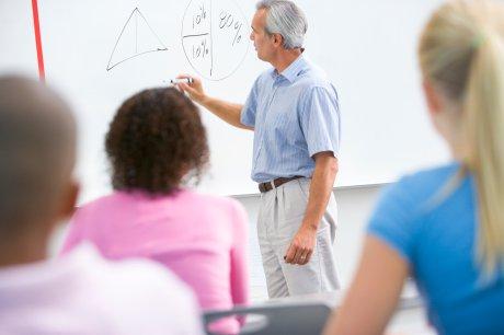 2 500 kronor mer i månaden till SiS behöriga lärare