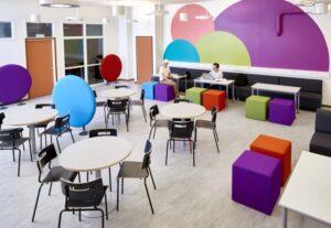 Färgglatt, funktionellt och flexibelt när Lekolar inreder Haganässkolan i Älmhult 1