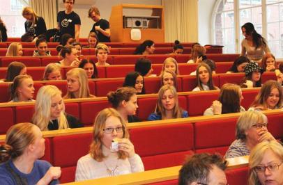 60 tjejer från Stockholms gymansieskolor var sugna på att programmera
