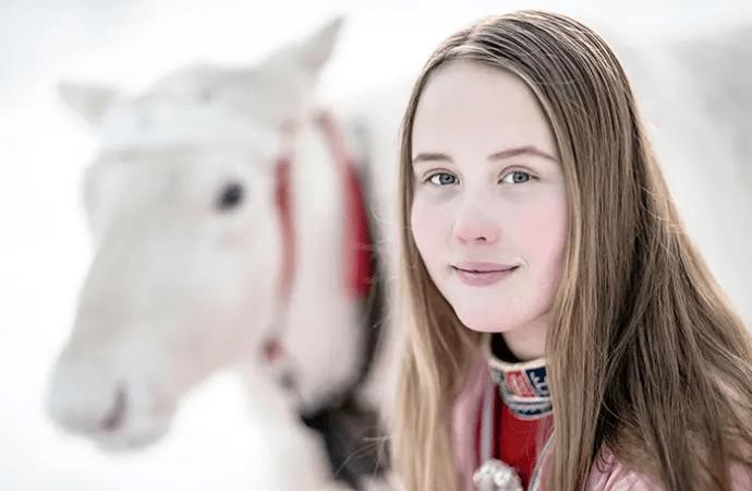 Nu finns en samisk temaväska för lärare i grundskolan