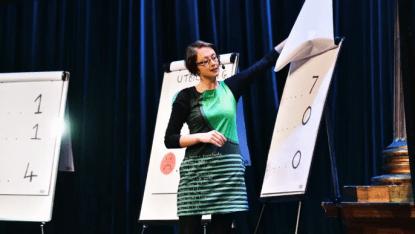 Forskare intar scenen i Västerås – presenterar forskning på fyra minuter 2