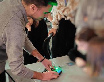Örebros elever inspirerar varandra i programmering 3