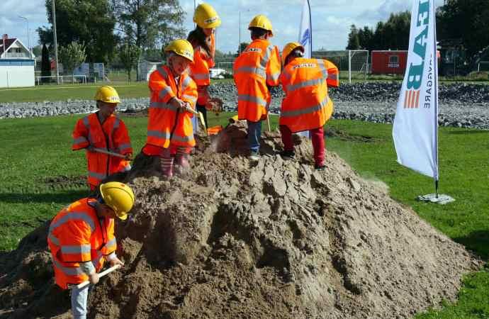 Spadtag för ny skola och förskola i Tråvad