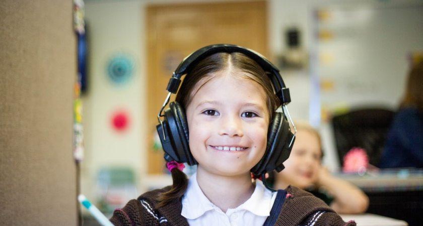 Gymnasieskolan Knut Hahn kombinerar när- och fjärrundervisning