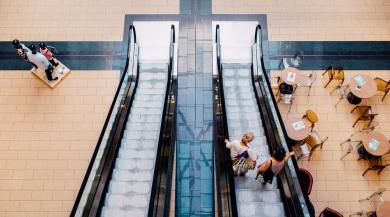 Fysiska butikskedjan knappar in på e-handelsjätten Amazon