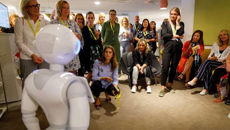 Humanoid robot senaste medarbetaren på TUI