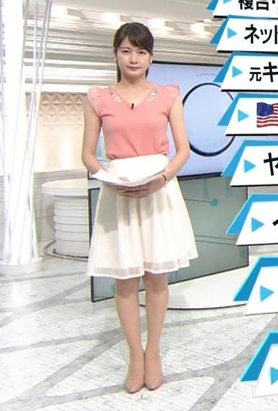 白スカートの宇内梨沙