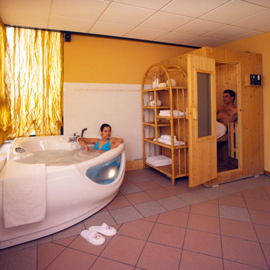 Foto Impianti a Vapore Per Saune Filandesi  Bagno Turco e Infrarossi con Possibilita di Progettazione del vostro Angolo Sauna di Termoidraulica