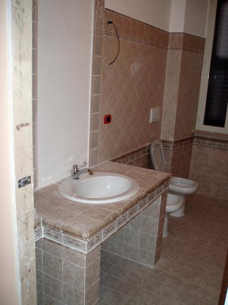 Foto Bagno Vista Lavandino In Muratura di Cpo Lavori E Restauri Edili 75680  Habitissimo