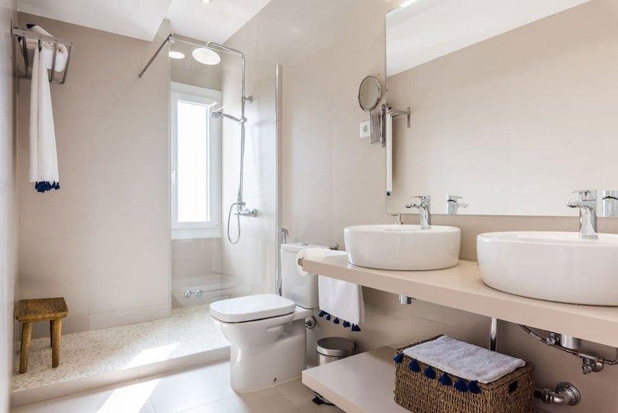 Foto Bagno Moderno con doppio Lavabo di Rossella Cristofaro 569129  Habitissimo