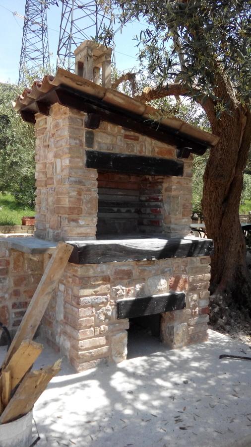 Barbecue In Pietra e Mattoni  Idee Costruzione Muri