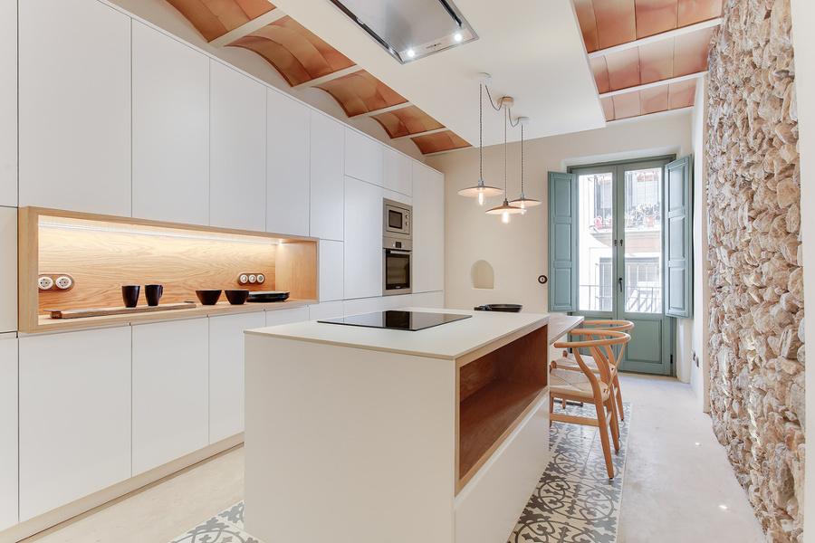 Resina Pietra e Cementine Per un Appartamento Super Accogliente  Idee Ristrutturazione Casa