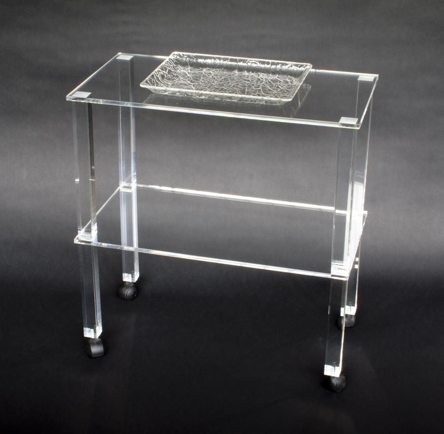 Foto Tavolino In Plexiglass Trasparente di Cavinato
