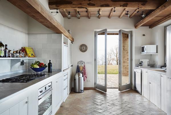 Foto Casa di Campagna Moderna con Cucina In Muratura di