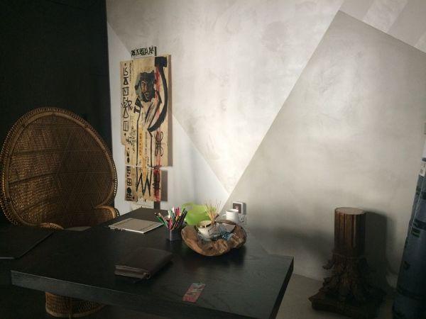 Se lo spatolato si adatta bene agli ambient classici, la pittura ad effetto graffiato o rigato, è invece perfetta per ambienti più moderni. Rinnova Casa Con La Pittura Decorativa Idee Imbianchini