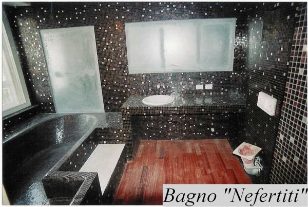 Foto Posa Mosaico Bisazza con Inserzioni In Oro Bianco di La Posa di Poma Sergio 126219