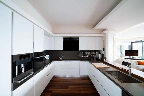 Foto Sostituzione Cucina con Top e Parete In Quarzo di Zanco Marmi Di Zanco Vladimiro E Silvano