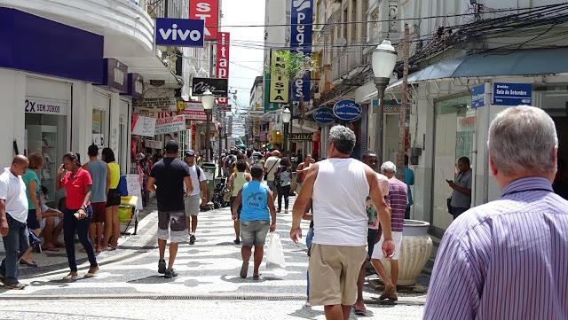 Campos: Comércio de rua e igrejas vão reabrir a partir da próxima quarta (01/07)