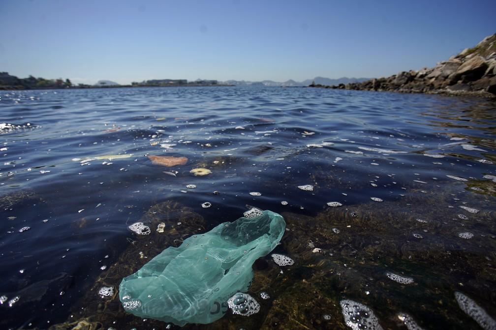 Quatro anos depois dos Jogos Rio-2016, qualidade da água da Baía de Guanabara está pior, aponta Inea