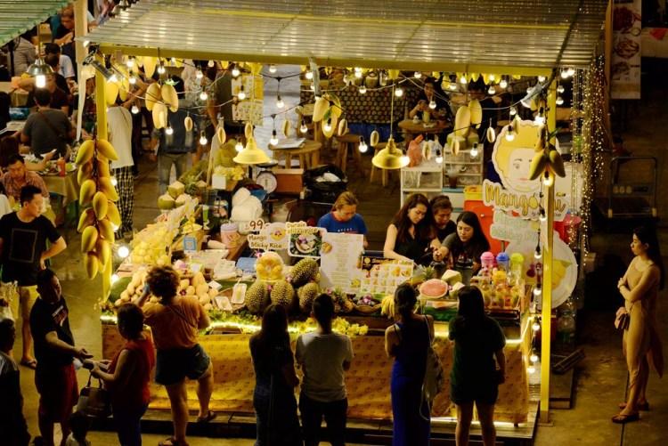 泰國曼谷霓虹夜市|TALAD NEON DOWNTOWN NIGHT MARKET