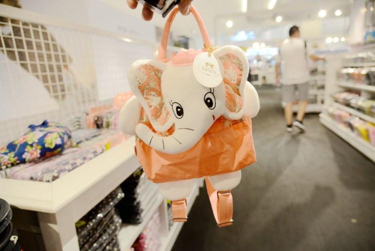 泰國曼谷購物中心 | 吹冷氣囉! Central World Plaza 知名品牌NaRaYa、Marco Polo、BEAUTY COTTAGEU 一次買個夠!