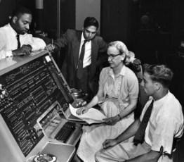 Grace_Hopper_and_UNIVAC-300x263