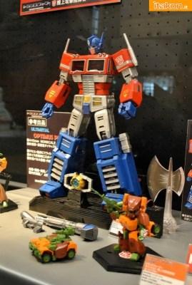 Ultimetal 17 inch Optimus Prime